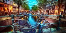 AMSTERDAM – AVION – METROPOLE