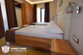 ZIVANOVIC PALACE 12 - Feniks tours