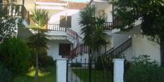Vila ERODIS  – Polihrono 30 m od plaže 1/4 i 1/5 duplex apartmani – LETO 2020