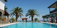 Apart Hotel FANIS Polihrono LETO 2020 – na plaži